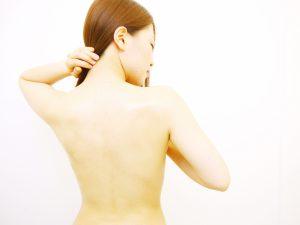 皮下脂肪の塊や余分な脂肪を分解燃焼しボディラインを整えます。