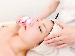 お肌の奥底まで美容原液の成分をたっぷり浸透させていきます。